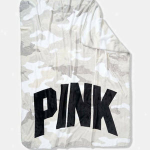 VS PINK Soft Fleece Throw Blanket White Gray Camo